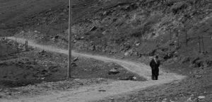 aolei-walking-alone-e1473411522181