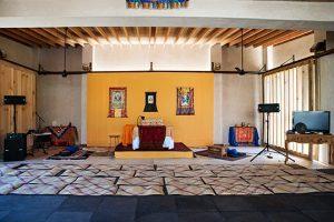 Dipingere e decorare il Gönpa <br>di Tsegyalgar West