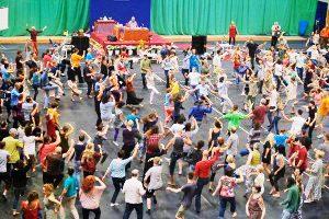 Alcune considerazioni sulle Gioiose Danze Khaita e la canzone Dzamling Gar