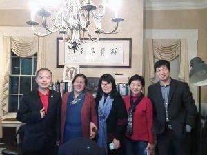 Menpa Phuntsog Wangmo parla agli studiosi in visita da Harvard