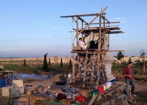 Riempimento del secondo Stupa a Merigar East: Karma Yoga e pratica